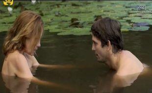 Cenas de nudez da atriz grobal Adriana Estevez